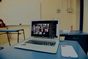 Laptop met videobellers